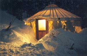 yurt-in-snow